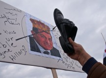 In Washington, protesters held up their shoes meaning Mubarak must leave. Image: zenashots