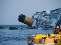 The cruise ship, the Costa Concordia, sinks after running aground: Image Rvongher