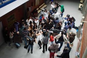 Students doing the Harlem Shake in Spain. Image: Vic fh