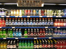 Soda display at a grocery store. Image: Marlith