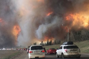 View of the wildfire from highway 63 as people were leaving Fort McMurray. Image: DarrenRD