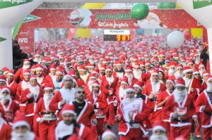Thousands Dress Up As Santa, Elves For Fun Run In Spain