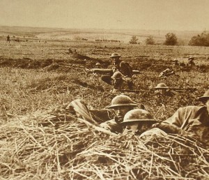 American troops in the field during WWI. Image: Washington, DC: Pictoral Bureau.