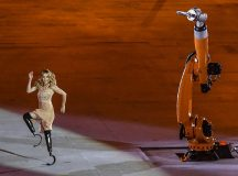2016 Summer Paralympics opening ceremony, when snowboarder and Paralympic medalist, Amy Purdy, danced with a robot. Image: Tomaz Silva/Agência Brasil